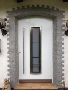 Eingangstuer